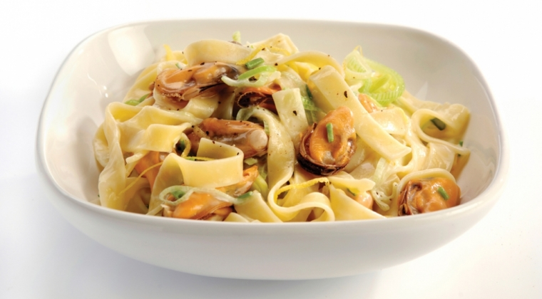 Tagliatelle with mussels and citrus sauce