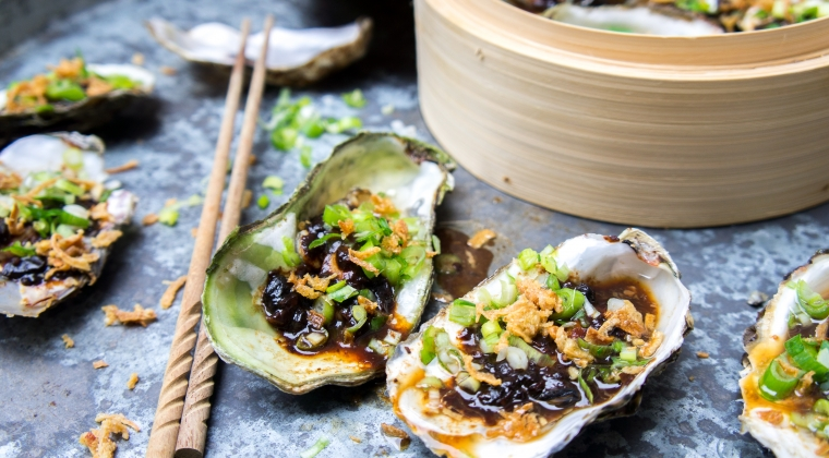 Steamed oysters with black-bean sauce