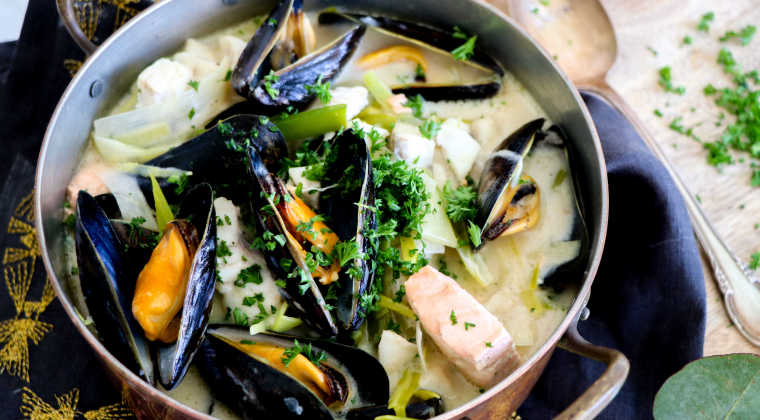 Luxurious fish ragout with mussels